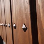 新居浜和モダン 目隠し板塀 飾り鋲