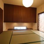 新居浜和モダン畳リビング、床の間、地窓