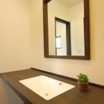 西条モダン和風 造作洗面台、鏡