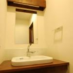 西条新築 造作洗面台、鏡、モザイクタイル