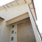 西条和風新築 外観 引き違い玄関 塗り壁