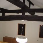西条古民家リフォーム 丸太梁、照明