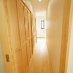 新築注文住宅 1階廊下 無垢床材