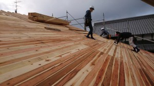 新築和風住宅の屋根地